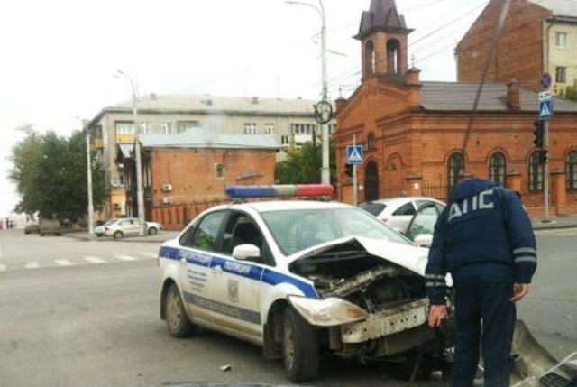 Полицейский сбив насмерть пешехода, скрылся на машине ДПС. http://netbespredelu.ru/?p=12515